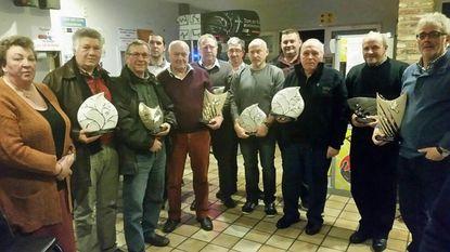 Café De Reisduif viert duivenkampioenen