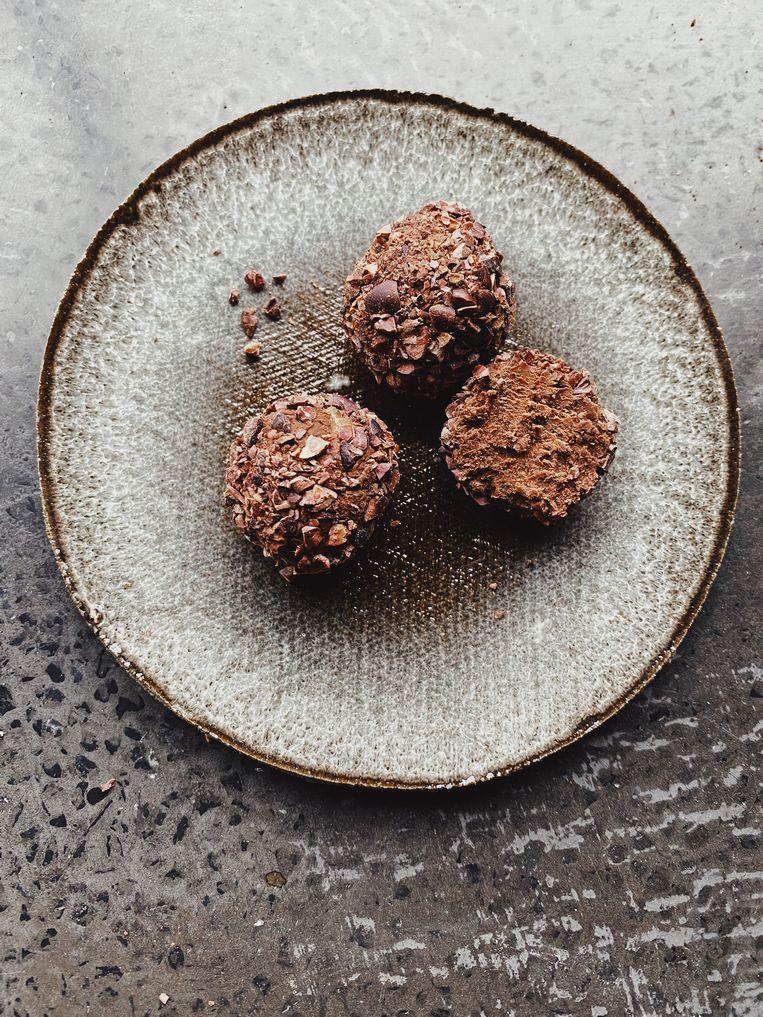 Ganache is een stevige chocopasta voor truffels of een taart Beeld Yvette van Boven