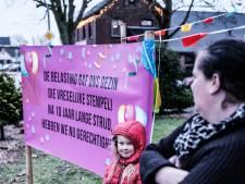 Slachtoffers toeslagenaffaire verbijsterd over de verkiezingsuitslag: 'De VVD heeft méér zetels zelfs! Hoezo?'