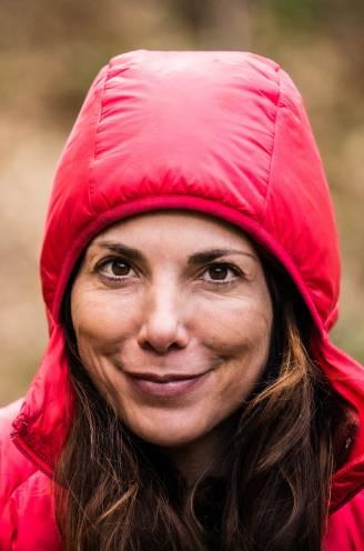 """Saartje Vandendriessche veranderde na haar drie weken overleven in het bos: """"Welke paddestoelen ik daar had gegeten, vroeg mijn papa zich af"""""""