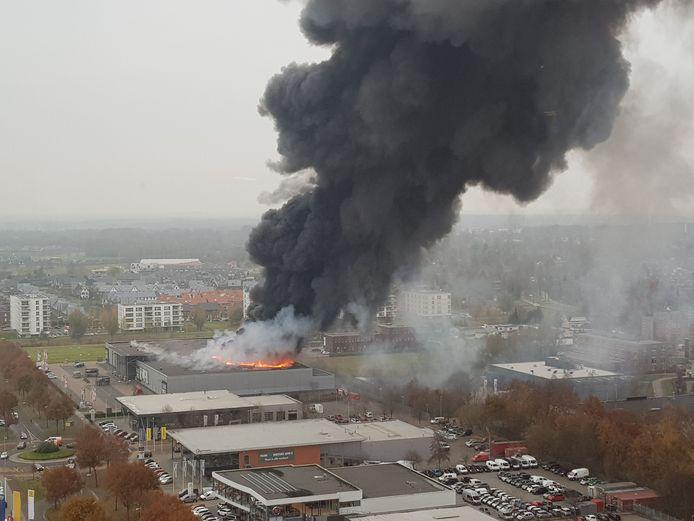 Brand bij Karwei Apeldoorn.