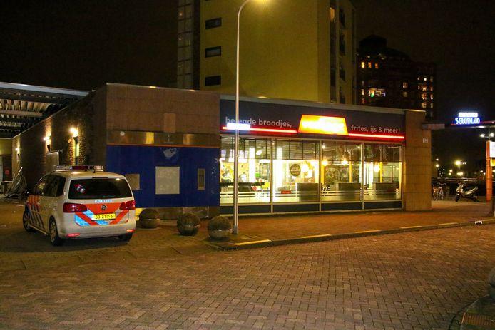 De overvallen snackbar Verhage aan de Puccinistraat.