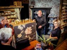 Hoe een cateraar in coronatijd veranderde in een delicatessenwinkel waar iedere week 150 Spaanse droge worsten over de toonbank gaan