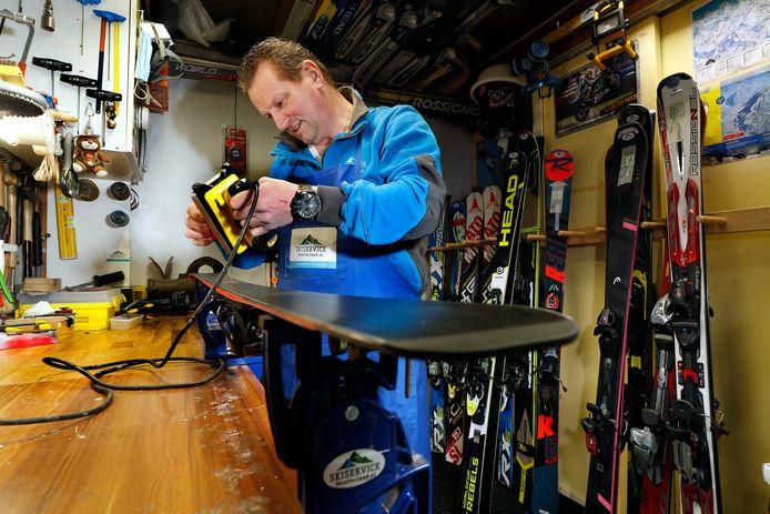 Dennis Brinkhuis van Skiservice Montferland.