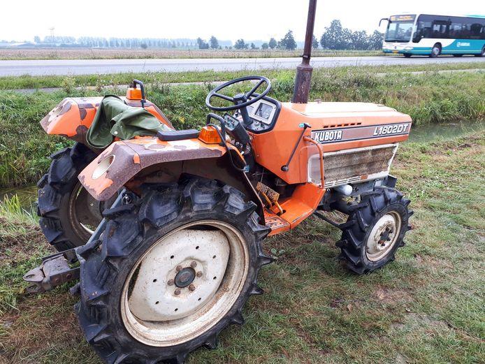 Vijf van zulke Kubota-tractoren zijn gestolen.