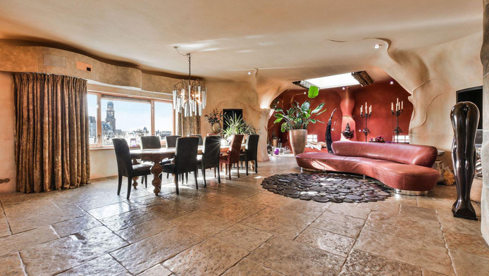 Stijl Van Gaudi.Grachtenpand In Stijl Van Gaudi Te Koop Voor 2 3 Miljoen