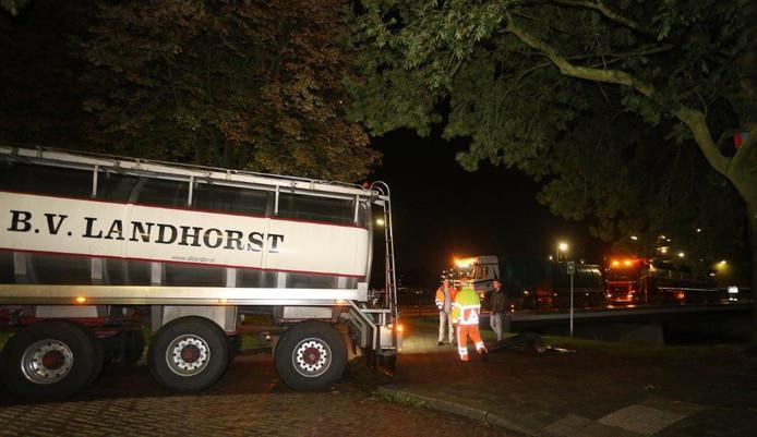 Stanklucht in Acaciasingel Den Bosch door scheur in riool