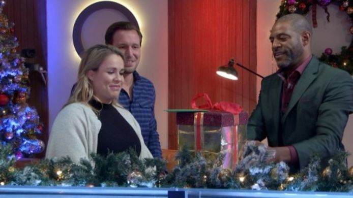 Carin en Gerard, die dit haar als eerste First Dates-koppel een baby kregen, kijken terug in de kerstspecial