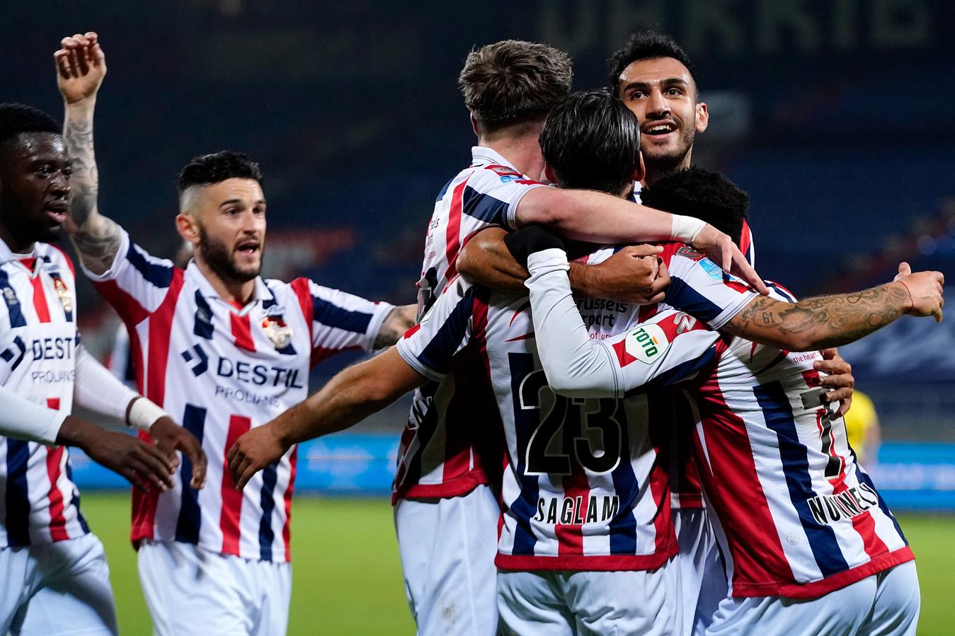 Willem II viert de fraaie treffer van Görkem Saglam tegen VVV.