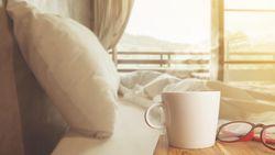 Wakker worden met de geur van croissants en koffie? Dat kan met deze wekker