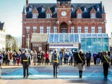 Vive émotion à Knokke pour la minute de silence en hommage à Léopold Lippens