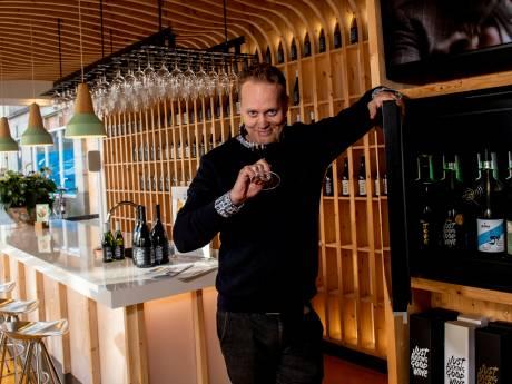 Wijnmaker uit Zutphen opent winkel in hartje Amsterdam vol met 'Just Fucking Good Wine'
