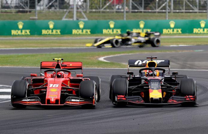 Het boeiende gevecht tussen Max Verstappen en Charles Leclerc vorig jaar op het circuit van Silverstone.