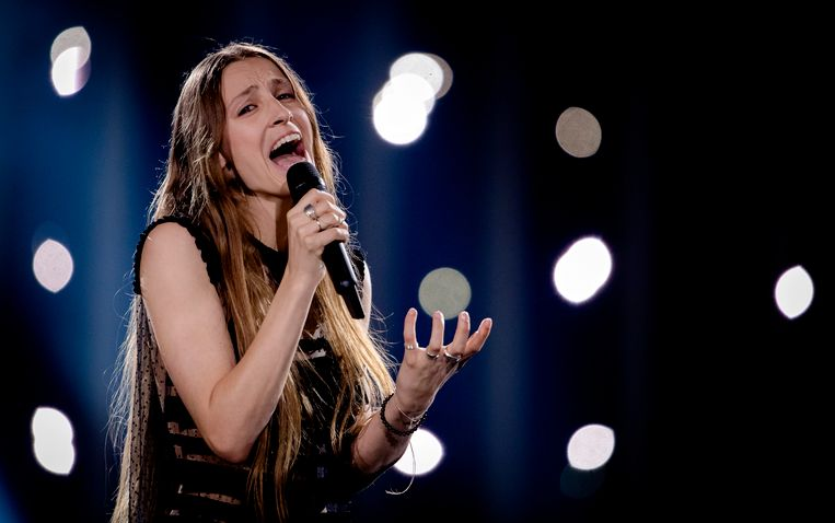 Sennek uit Belgie op het podium tijdens de dress rehearsal in aanloop naar het eerste optreden voor de halve finale van het Eurovisie Songfestival.