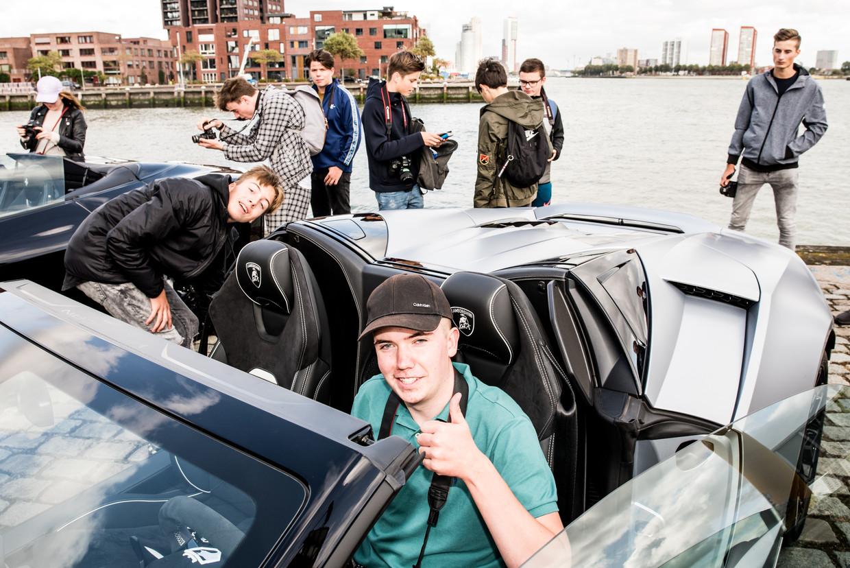 Autospotters in Rotterdam.  Beeld Jan Mulders