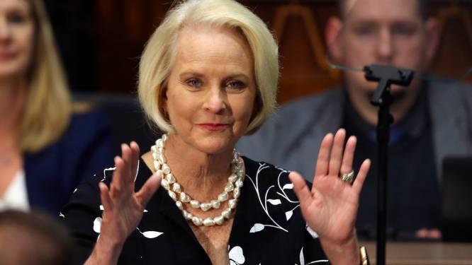"""Weduwe Republikein John McCain steunt Biden, woedende Trump haalt uit: """"Was nooit fan van McCain"""""""