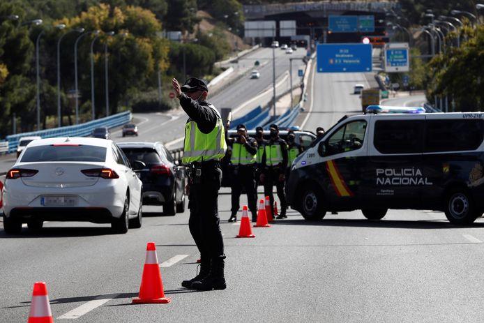 Een wegversperring van de Policia Nacional (archieffoto).