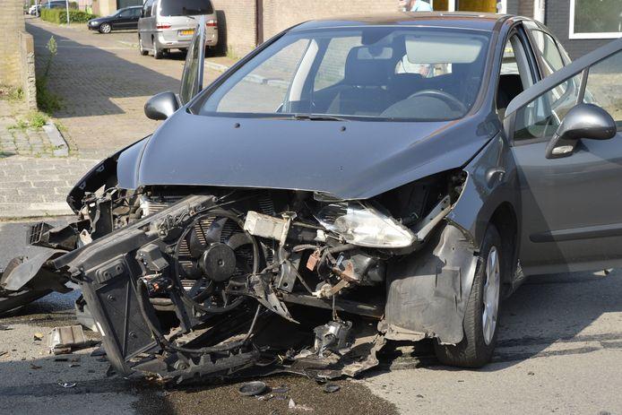 Flinke schade aan een van de betrokken auto's.