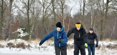 Eerste Tukkers schaatsen op het natuurijs: 'Het mooiste dat er is'