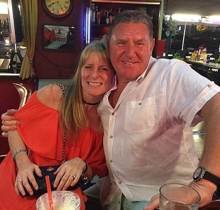 Peter Crouch met zijn echtgenote Lynn.