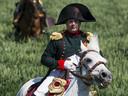 Een als Napoleon uitgedoste man tijdens het naspelen van de Slag bij Ligny in 2015 als onderdeel van de herdenking van de Slag bij Waterloo die in dat jaar 200 jaar geleden was.
