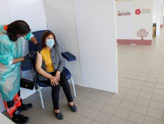 """""""Denemarken stopt met AstraZeneca en schort gebruik Johnson & Johnson-vaccin op"""""""