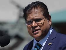 Regering Suriname geeft financieel extraatje aan ambtenaren, ook sociale uitkeringen gaan omhoog