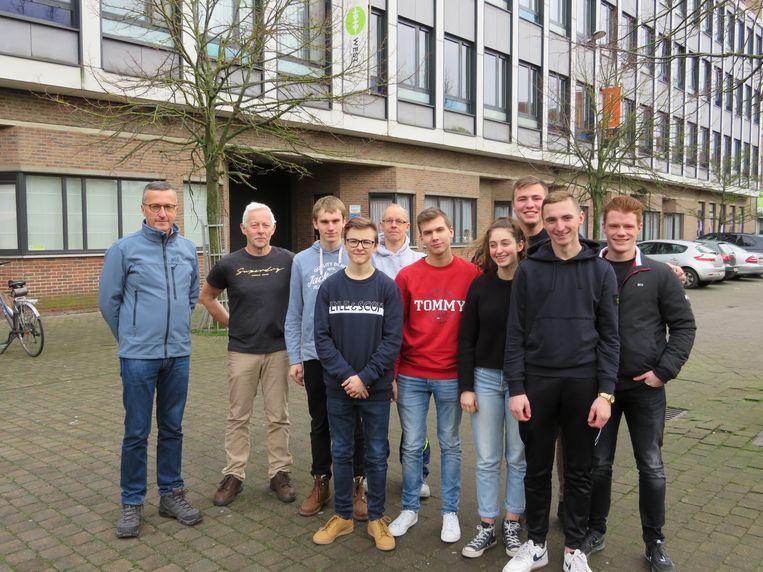 De leerlingen en leerkrachten van Petrus en Paulus West, die in mei voor vier weken naar Zuid-Afrika vertrekken.