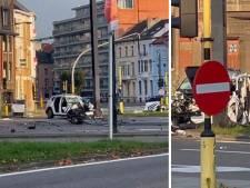 Grave accident entre deux voitures de police à Gand: deux agents blessés