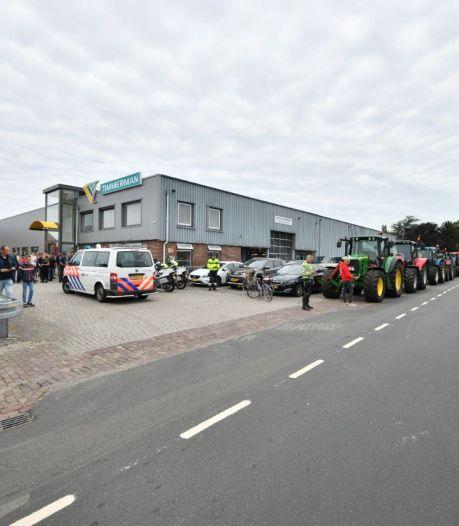 Meer dan 150 Twentse trekkers op weg naar Zwolle voor nieuwste boerenprotest: 'Wat is er over 50 jaar nog?'