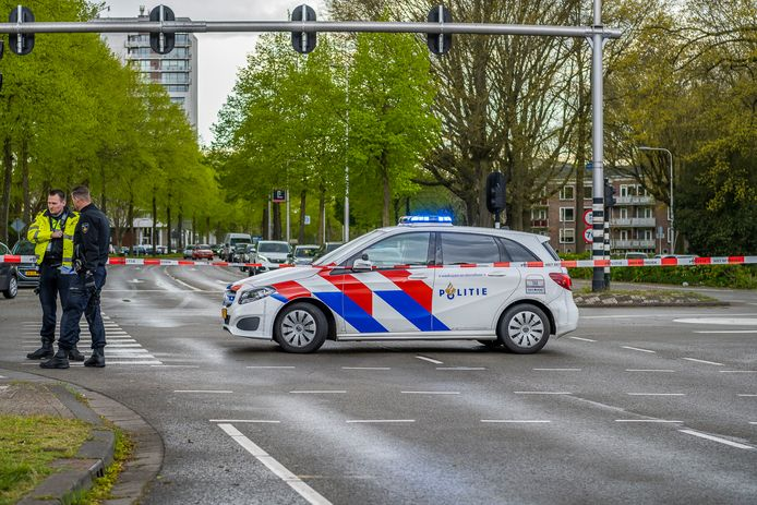 Fietsend kind aangereden op de kruising van de Broekhovenseweg en de Ringbaan Zuid in Tilburg