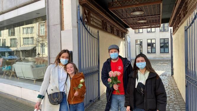 Jongsocialisten Hasselt viert Internationale Vrouwendag met roosje voor elke vrouw