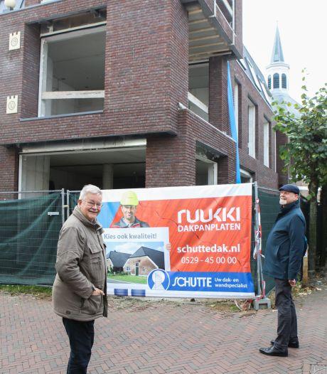 Oude elementen Joodse slagerij in nieuw wooncomplex in Hardenberg: 'Het is hier toch een allegaartje'