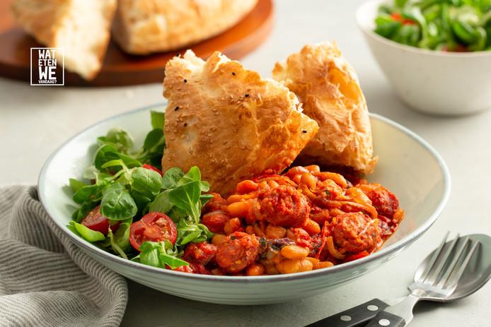 Ovenschotel met chorizo en bonen