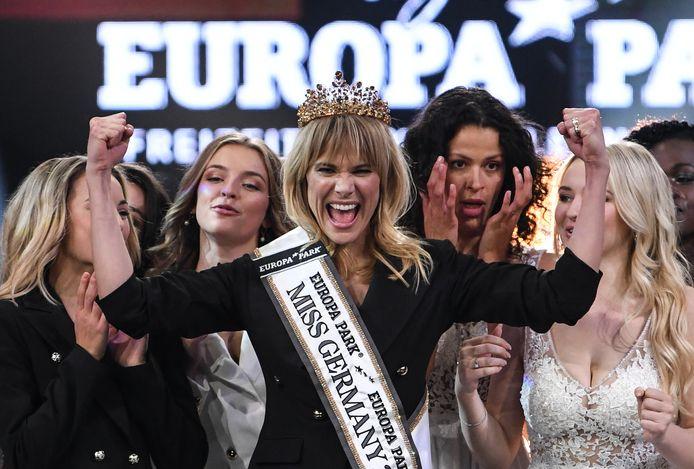 Leonie von Hase had het kroontje van Miss Germany bemachtigd. Opvallend: met 35 lentes was ze de oudste van alle kandidaten.