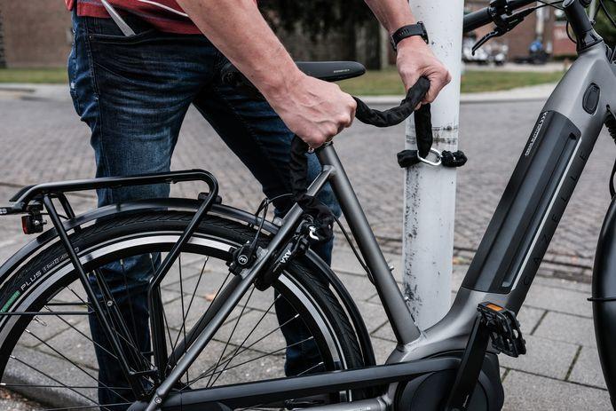 Zet je e-bike goed vast aan de wereld.