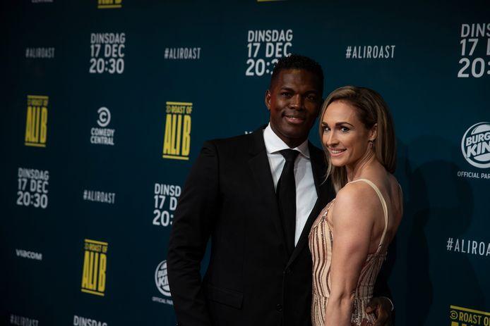 Remy Bonjasky met zijn partner Renate op de rode loper, voorafgaand aan de opnames van een televisieprogramma.