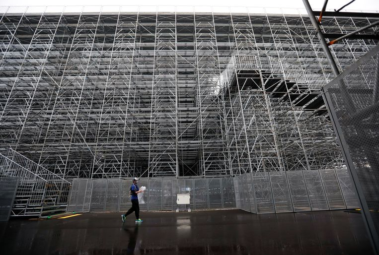 Tribune in aanbouw. Beeld Reuters