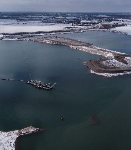 Een tijdelijk 'eiland' in het Lingemeer: een voorbode voor de drijvende eilanden