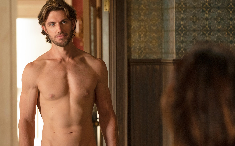 Adam Demos in 'Sex/life' Beeld Netflix