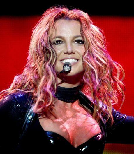 """""""J'ai pleuré pendant 2 semaines"""": Britney Spears réagit au documentaire sur sa tutelle"""