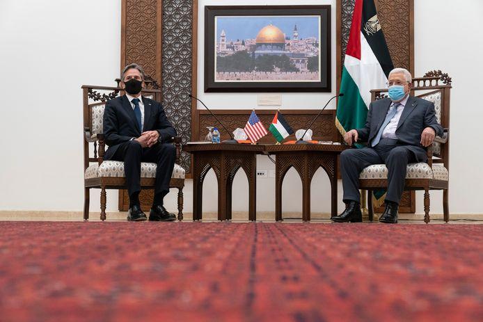 Gambar pertemuan Blinken dengan Presiden Palestina Mahmoud Abbas di Ramallah.
