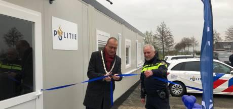 Nieuw politiebureau in Bleskensgraaf geopend, inwoners kunnen volgend jaar zo binnenlopen