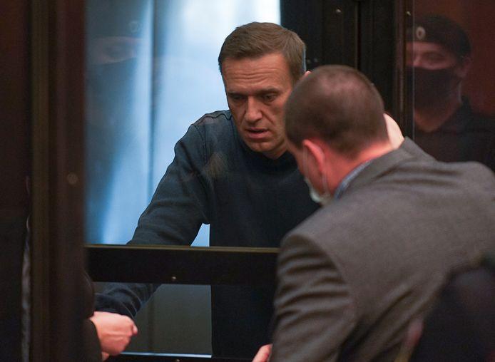 Navalny in de rechtbank.