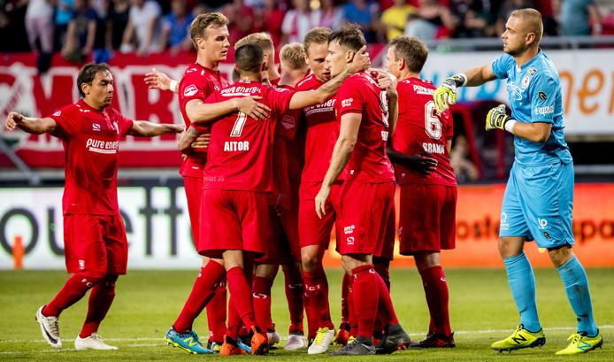 Tom Boere van FC Twente scoort 2 - 1 uit een penalty tijdens de wedstrijd tegen Sparta Rotterdam in De Grolsch Veste.