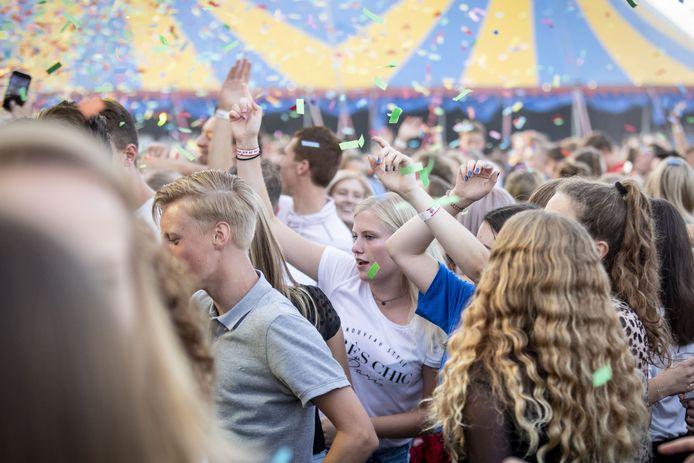 SAASVELD -  Festival Dak d'r Af van Dancing Bruins in goede tijden.