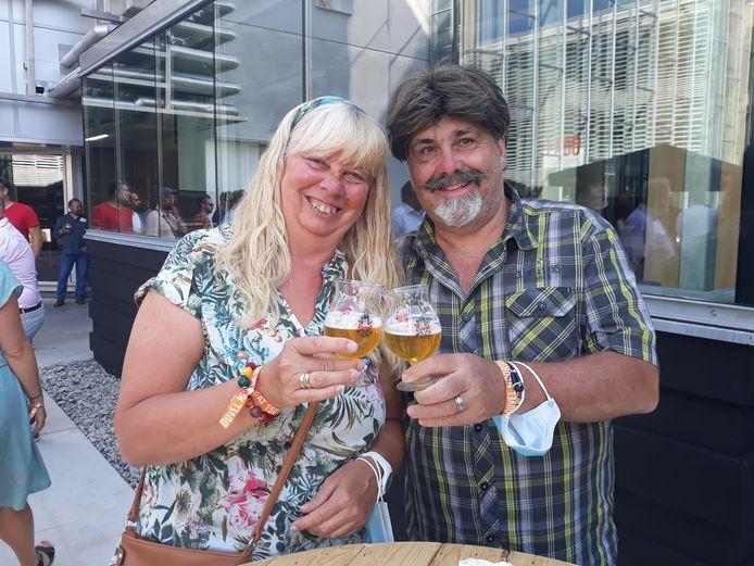 Patrick Kerrimans dan Karina Simmons selama pesta selama 150 tahun Duvel Moortgat.