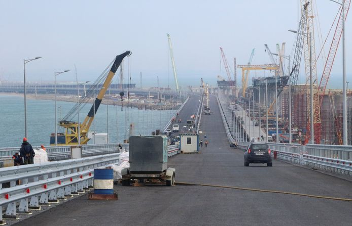 De brug van Rusland naar de Krim.