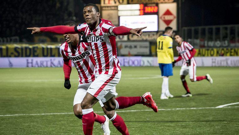 Wijnaldum heeft PSV met een kopbal op voorsprong gezet. Beeld EPA
