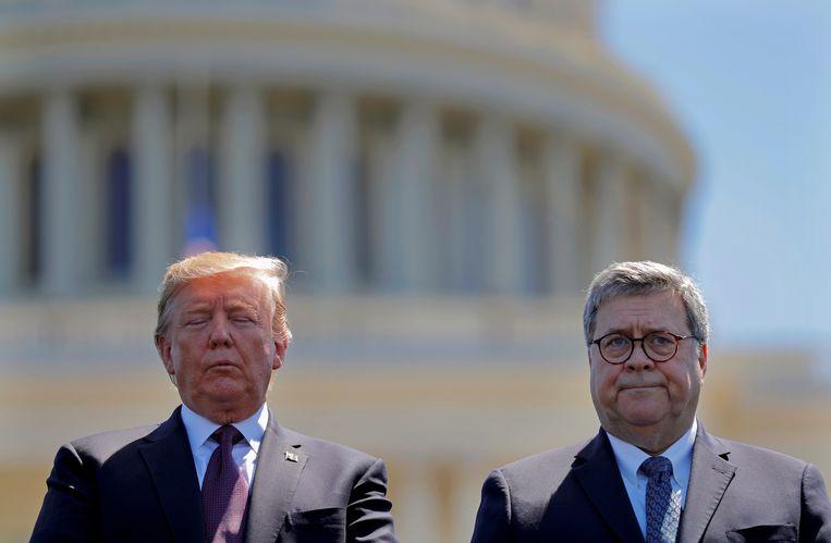 Donald Trump en William Barr op archiefbeeld. Beeld REUTERS